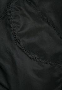 Alpha Industries - HOODED CUSTOM - Light jacket - black/reflective - 6