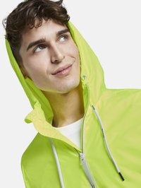 TOM TAILOR DENIM - JACKEN & JACKETS LEICHTE JACKE - Light jacket - neon green - 3