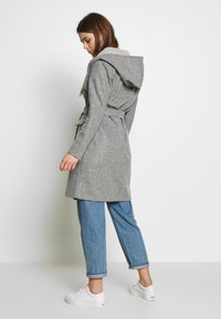 JDY - JDYOVIDA LONG HOOD JACKET - Kort kåpe / frakk - light grey melange - 2