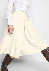 Sisley - DIVIDED SKIRT - Shorts - off-white - 3
