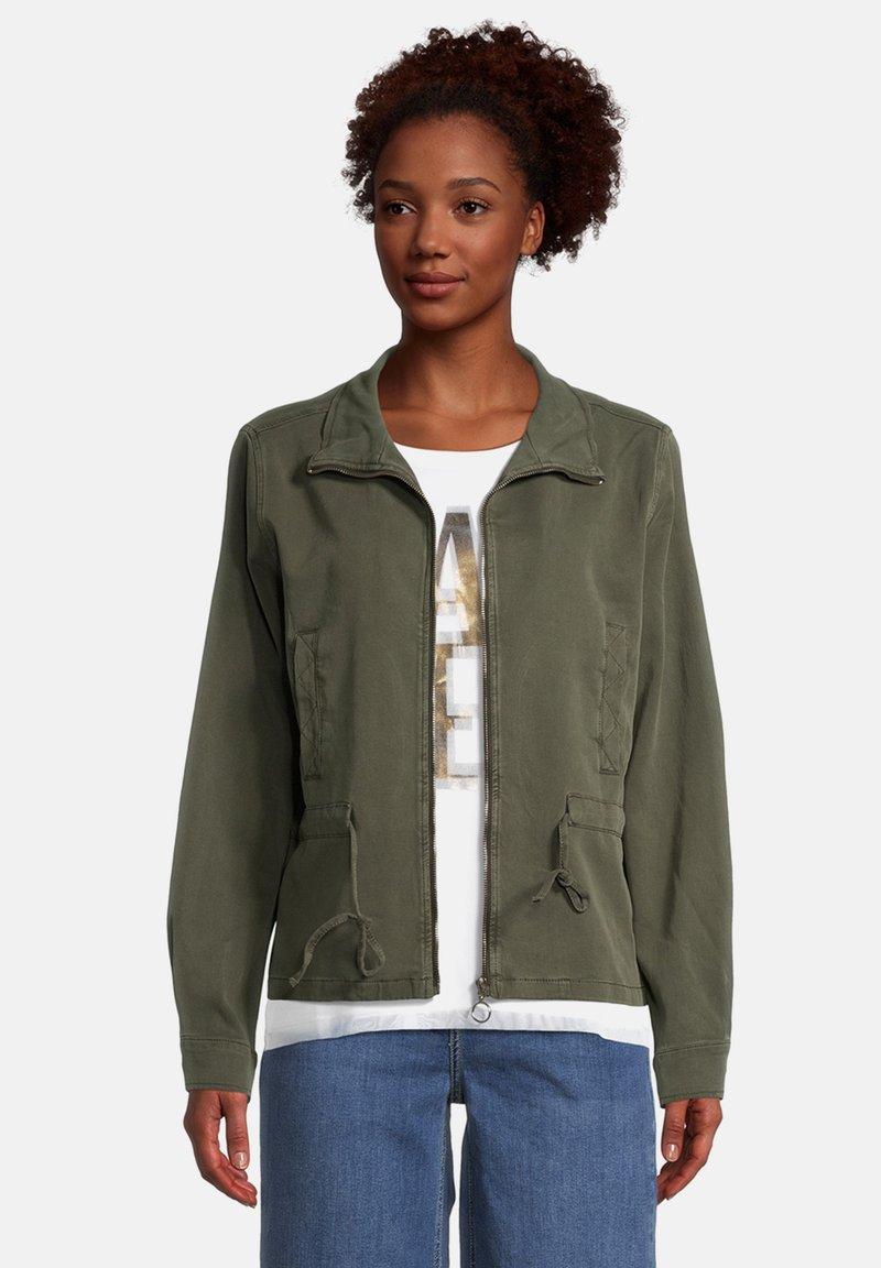 Cartoon - Light jacket - dunkelgrün
