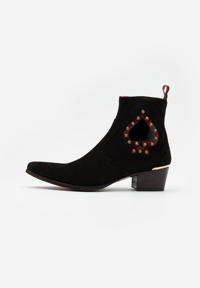 SIXX ACE OF SPADES - Classic ankle boots - black/college red