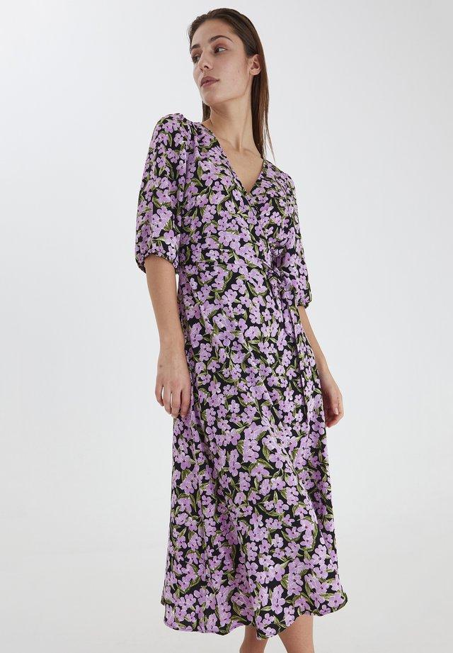 Sukienka z dżerseju - violet tulle print