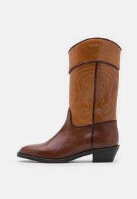 See by Chloé - DANY  - Cowboy/Biker boots - tan - 0
