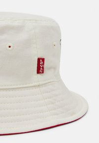 Levi's® - REVERSIBLE SNOOPY SPORT BUCKET HAT UNISEX - Hut - regular white - 3