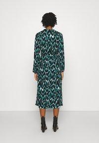 ONLY - ONLGAGA MIDI DRESS - Day dress - cloud dancer/green/black - 2