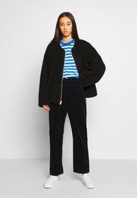 Carhartt WIP - NEWPORT COVENTRY PANT - Trousers - dark navy - 1