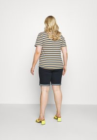 CAPSULE by Simply Be - Denim shorts - indigo - 2