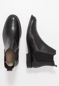 Royal RepubliQ - ALIAS CLASSIC CHELSEA - Kotníkové boty - black - 1