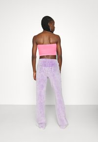 Juicy Couture - TINA TRACK PANTS - Trainingsbroek - pastel lilac acid wash - 3