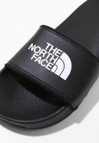 The North Face - W BASE CAMP SLIDE II - Pool slides - black/white - 5