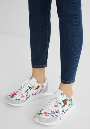 RUNNER_FLORAL - Trainers - white