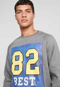 Best Company - CREW NECK - Sweatshirt - grey melange - 3