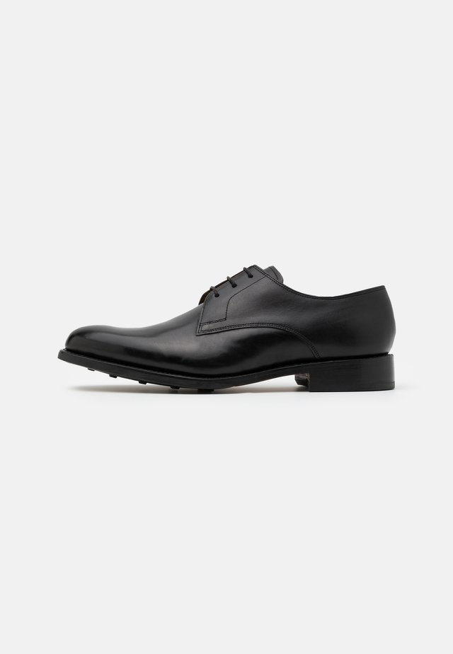GARNDER - Veterschoenen - black
