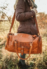 Gusti Leder - Weekend bag - brown - 2