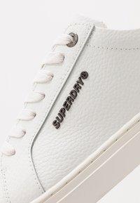 Superdry - TRUMAN - Sneakers laag - white - 5