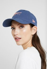 New Era - BEACH 9FORTY - Pet - navy - 4