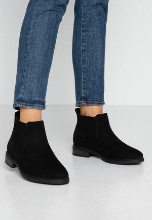 WIDE FIT ELASTIC BOOT - Kotníková obuv - black