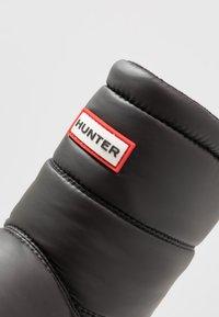 Hunter ORIGINAL - MENS ORIGINAL INSULATED SNOW BOOT SHORT - Winter boots - black - 5