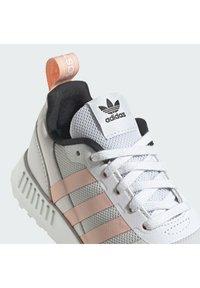 adidas Originals - MULTIX UNISEX - Baskets basses - grey one/glow pink/core black - 7