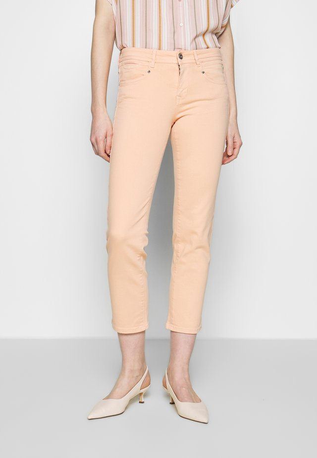 LOREEN NEW MAGIC COLOR - Pantalon classique - coral pink