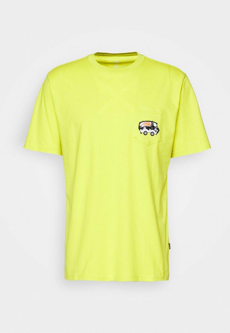 Converse - SCOOBY X CONVERSE FASHION POCKET TEE - Print T-shirt - neon green