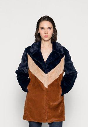 SUNIA - Winter coat - blue/beige/toffee