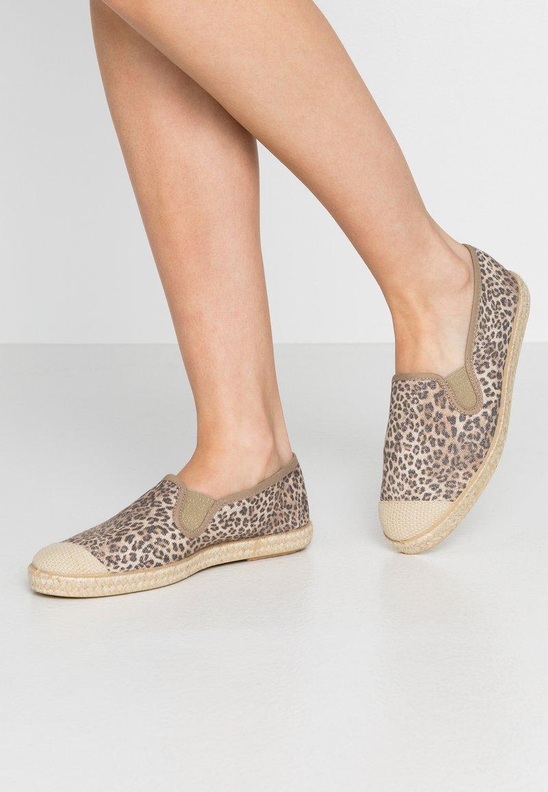 Copenhagen Shoes - FLORENCE - Espadrilles - brown