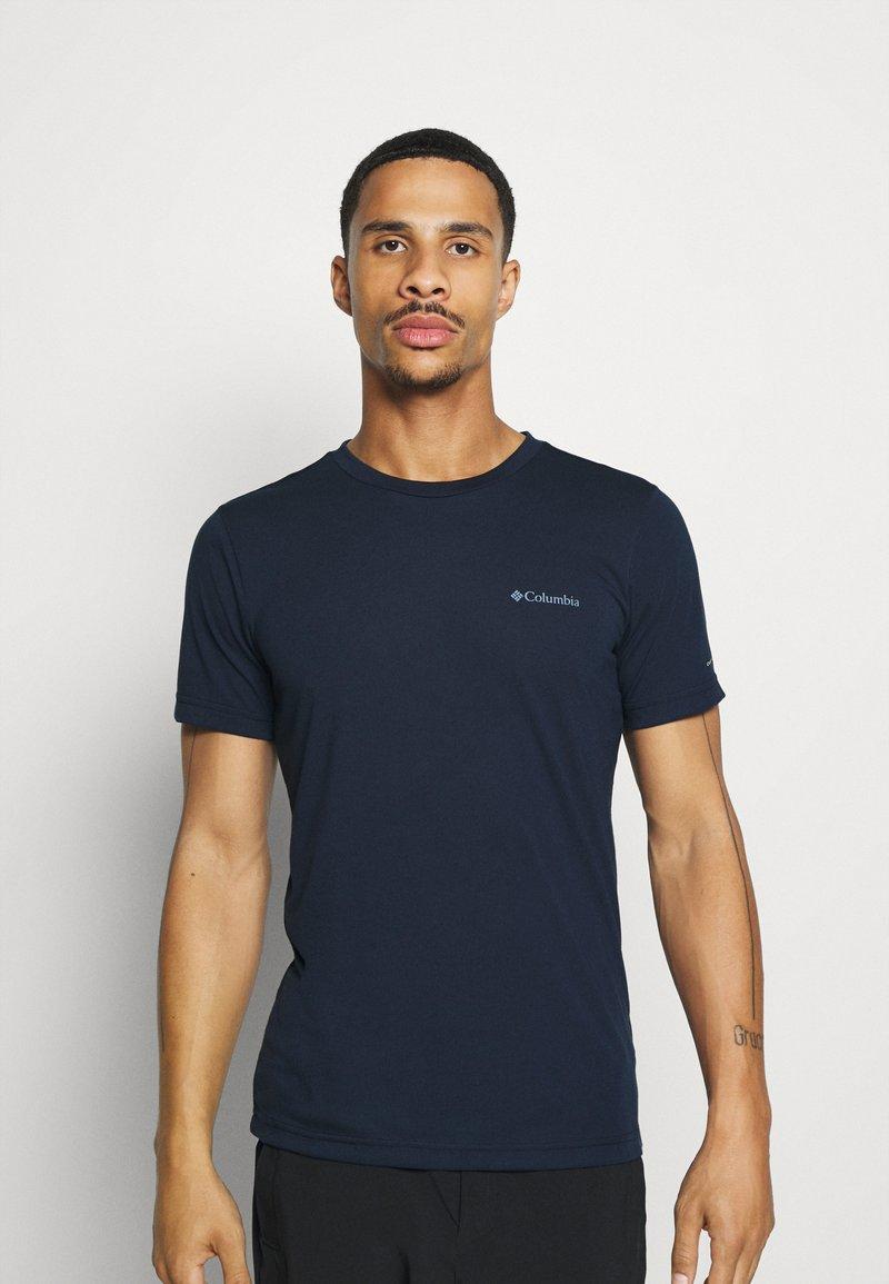 Columbia - MAXTRAIL LOGO TEE - Print T-shirt - collegiate navy