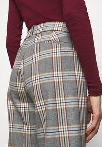 J.CREW - PEYTON PANT IN PLAID - Trousers - bronzed ochre/rust - 4