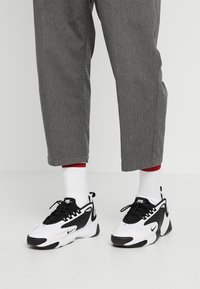 Nike Sportswear - ZOOM  - Zapatillas - white/black - 0