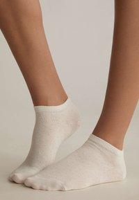 OYSHO - 5 PAIRS - Socks - white - 0