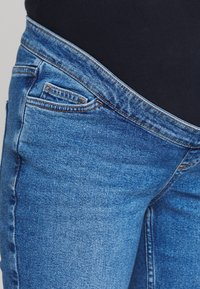 New Look Maternity - MOM - Relaxed fit jeans - blue - 3
