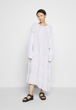 AMILY - Robe longue - pure white