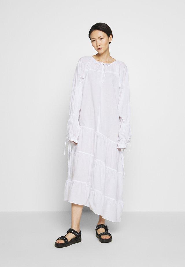 AMILY - Maxi dress - pure white