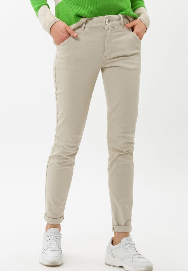 SHAKIRA - Slim fit jeans - clean camel