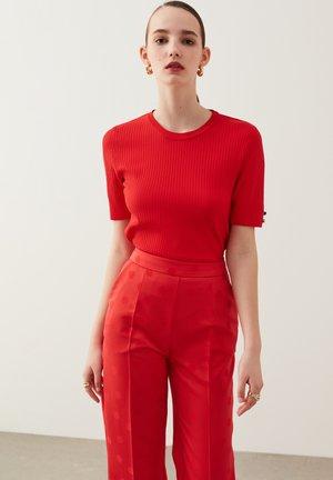 BASIC  - Basic T-shirt - red