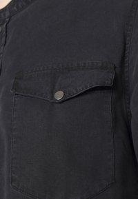 Tigha - Shirt - black - 4