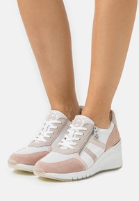 Marco Tozzi - BY GUIDO MARIA KRETSCHMER - Sneakers laag - white - 0