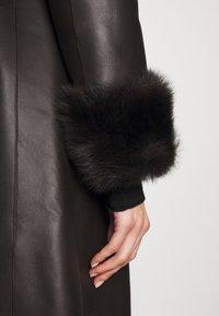 STUDIO ID - FLO COAT - Leather jacket - chocolate - 8