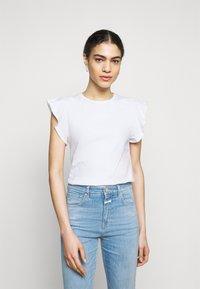 CLOSED - WOMEN - Jednoduché triko - ivory - 0