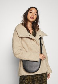 JDY - JDYSONYA SHORT JACKET - Winter jacket - cement - 3