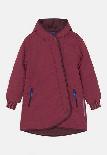LIKKA ICE UNISEX - Winter coat - beet red/eggplant