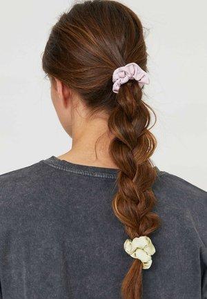 4 PACK - Akcesoria do stylizacji włosów - pink