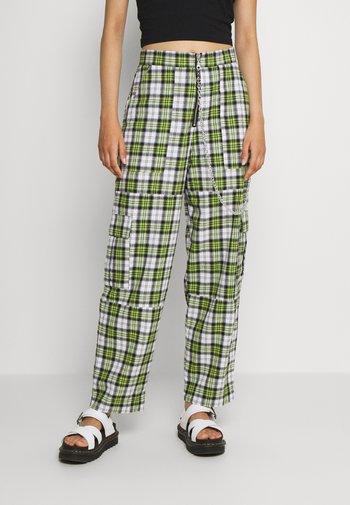 GRANGER - Trousers - green/white
