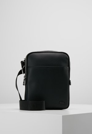 FLAT CROSSOVER BAG - Across body bag - black