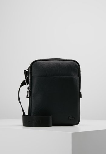 FLAT CROSSOVER BAG