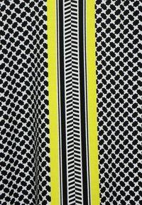 Cecil - MIT MINIMAL MUSTER - Long sleeved top - black - 4