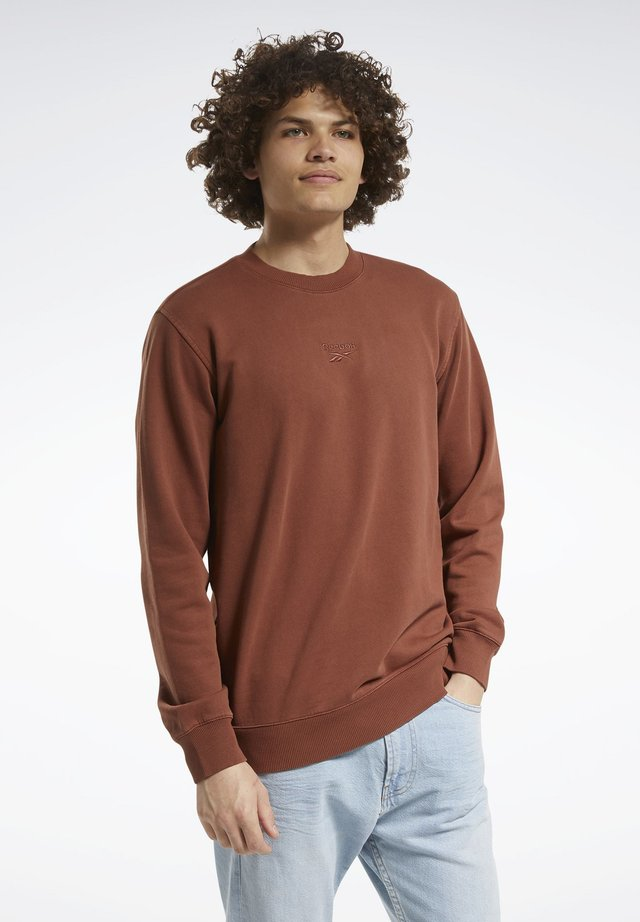 CLASSICS PREMIUM WASHED CREW SWEATSHIRT - Sweatshirt - brown