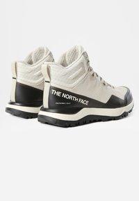 The North Face - W ACTIVIST MID FUTURELIGHT - Bergschoenen - vintage white tnf black - 1